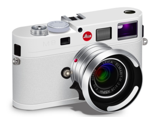 Render a High Detail Leica M8 Camera with Photoshop